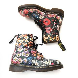VTG 90s DR. MARTENS Floral Wildflower Print Boots